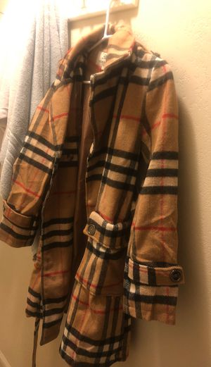 Burberry coat super cute !!! Perfect for Xmas size XL, but fits medium/large for Sale in Escondido, CA