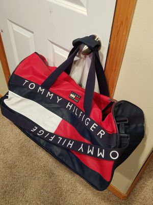 Large original Tommy Hilfiger big duffle bag- great condition for Sale in Everett, WA