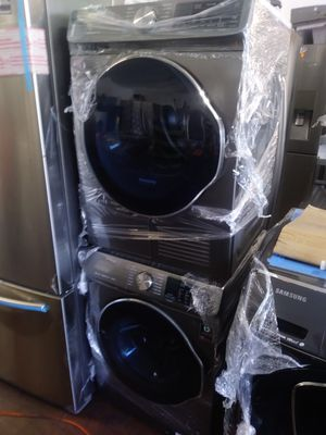 NEW NEVER USED WASHER AND DRYER 24 WIDE 220 voltage for Sale in Fullerton, CA