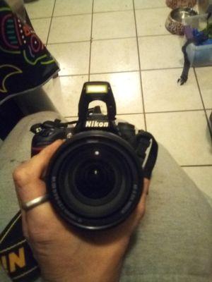 Nikkon D7100 Digital Camera with 18-40mm lense for Sale in Phoenix, AZ