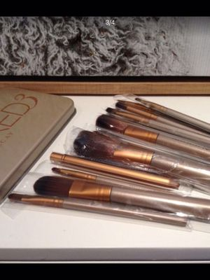 12 Makeup Brushes with case for Sale in La Habra Heights, CA