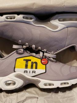 Nike Airmax TN. Size 10 for Sale in Trenton,  MI
