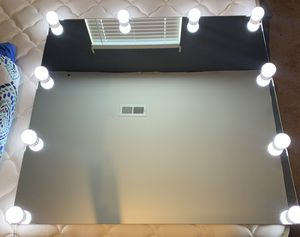 Vanity mirror with lights for Sale in Raleigh, NC