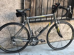 GIANT OCR2 ROAD BIKE for Sale in Long Beach, CA