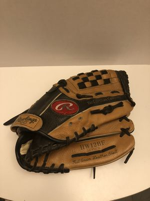 """Rawlings Leather Baseball Glove Mitt HW12BF 12"""" Right Hand Throw for Sale in Gurnee, IL"""
