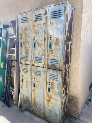 VINTAGE LOCKER for Sale in Anaheim, CA