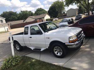 Vendo mi Ford ranger en buenas condiciones año 2000 76 millas orijinales. O la cambió por un carro ogresa can for Sale in Arlington Heights, IL