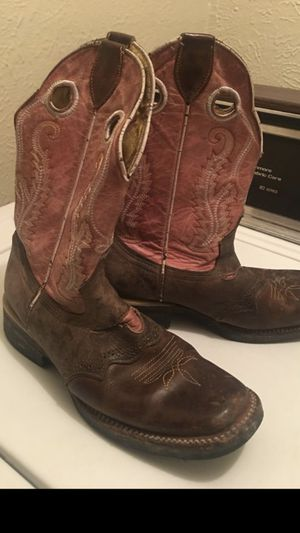 Women's boots size 8 for Sale in Dallas, TX