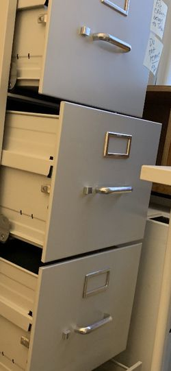 4 Drawer Filing Cabinet for Sale in Brookline,  MA