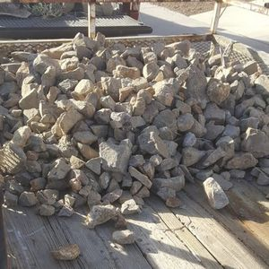 Free Rocks , Piedras Gratis for Sale in Las Vegas, NV
