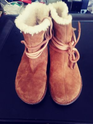 UGG SHENANDOAH BOOTS for Sale in Silver Spring, MD