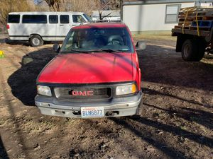 1996 GMC Jimmy slt 4.3L 4wd for Sale in Yakima, WA