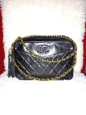 Chanel Vintage Bag Make an Offer 👀 for Sale in Scottsdale, AZ