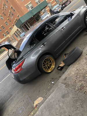 Gold rims 5x114.3 $175 FIRM no bullshit for Sale in The Bronx, NY