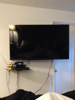 """55"""" 4k TV w/ mount for Sale in Seattle, WA"""
