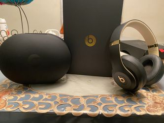 beats studio 3 wireless for Sale in Woodlawn,  MD