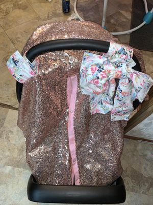 Car seat with base and cover for Sale in Mission, TX
