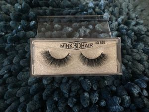 Eyelashes makeup for Sale in Chula Vista, CA