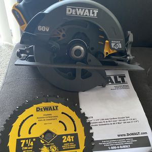 DEWALT FLEXVOLT 60v MAX 7-1/4 in. Cordless Brushless Circular Saw (Tool-Only) New!! for Sale in San Diego, CA