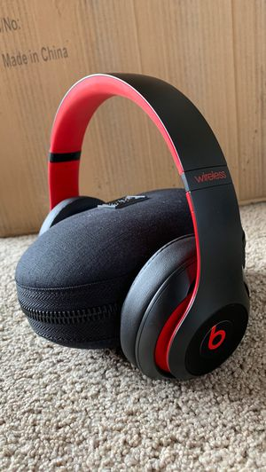 Beats Solo 3 Wireless Sound Canceling Over-Ear Headphones for Sale in Brier, WA