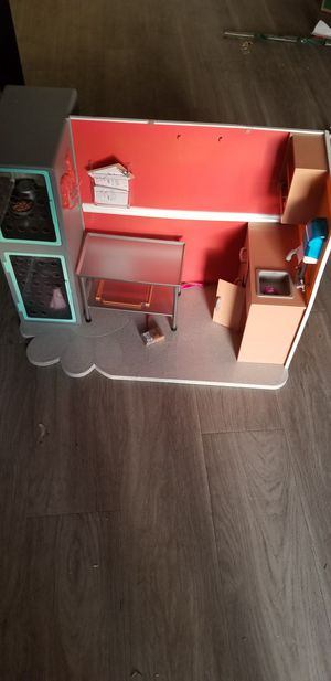 Doll vet clinic our generation for Sale in Tallahassee, FL
