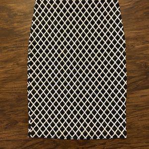 White & Black Printed Pencil Skirt for Sale in Venice, FL