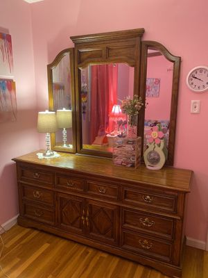 Large dresser with mirror for Sale in Milford, NJ