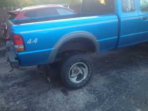 93 Ford Ranger 4 inch lift kit five speed 4.0 L newly rebuilt transmission upper lower ball joint replaced. Runs great 3000 or best offer for Sale in Cleveland, OH