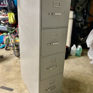 Metal File Cabinet for Sale in Chino Hills, CA