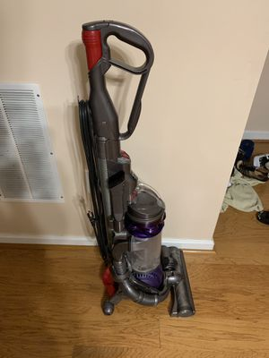 Dyson vacuum machine. for Sale in Warrenton, VA