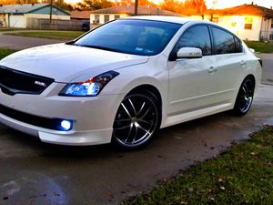 Very clean. 2008 Nissan Altima FWDWheels Clean for Sale in Toledo, OH