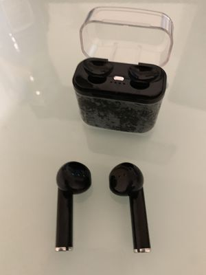 Bluetooth earbuds, Brand New. Never open, never use. Pick up only @ 35th Avenue and Southern $20 for Sale in Phoenix, AZ