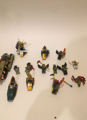 LEGO legends of chima mini figures and vehicle bundle for Sale in Richmond, VA
