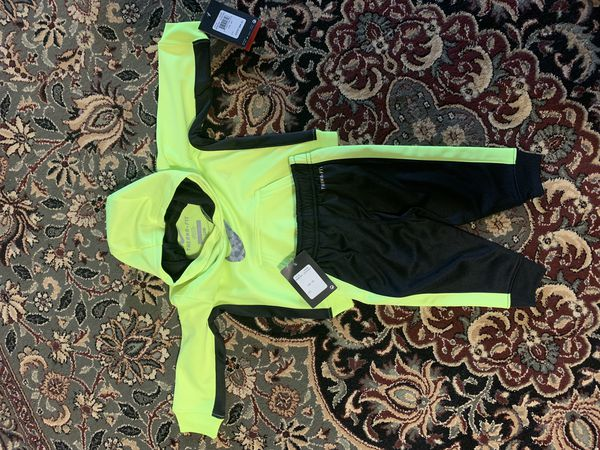 New Outdoor kids clothing ( baby boy 9-12M)