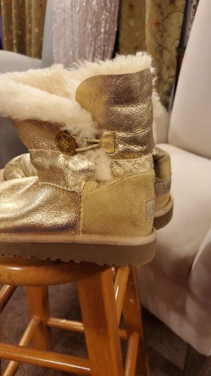 Ugg size 4 for Sale in East Spencer, NC