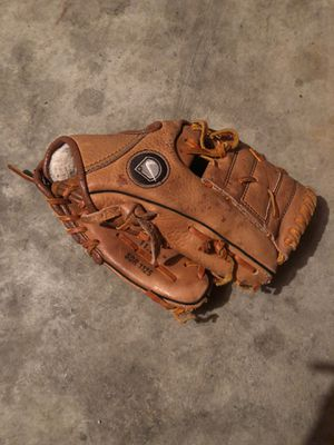 Authentic Nike Baseball Glove for Sale in Pendleton, IN