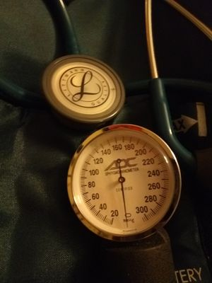 """28"""" Caribbean BLue tubing Littman Classic II SE stethoscope and ADC adult blood pressure cuff with matching travel bag for Sale in Wichita, KS"""