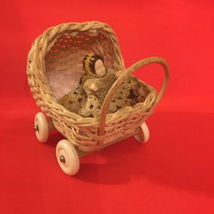 Vintage Miniature Dollhouse Wicker Baby Carriage Baby Pillow for Sale in Pittsburgh, PA