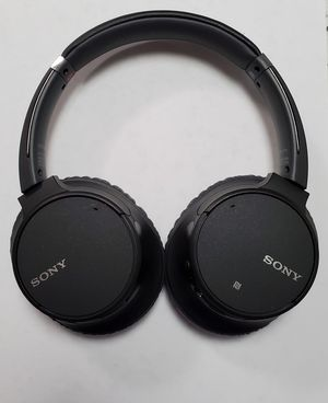 Sony whch700n Noise Cancelling Headphones for Sale in Kissimmee, FL