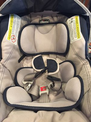 Greco car seat and base with infant insert. for Sale in Laveen Village, AZ