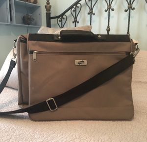 Brand New, oversized American Tourister Laptop/travel bag. Free-new wallet with purchase. for Sale in Venice, FL
