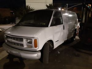 2000 Chevy Express 2500 for Sale in Brooklyn, NY