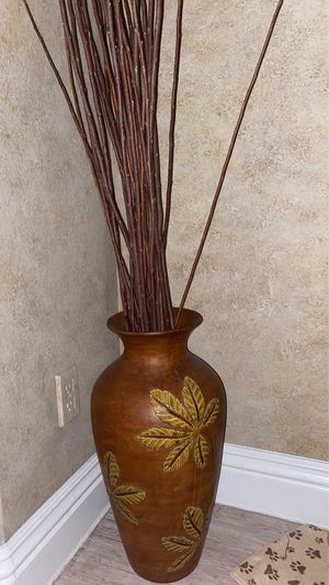 Vase + Fake plant for Sale in Las Vegas, NV