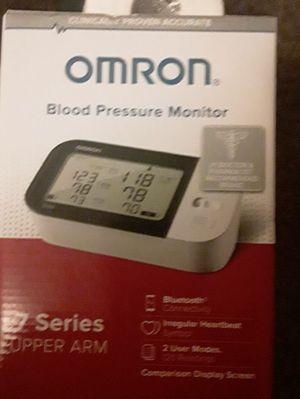 New Omron 10 series wireless upper Arm Blood Presure Monitor (Model #BP7450) for Sale in Tulsa, OK