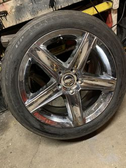 One Jeep Srt8 Wheel for Sale in Chicago,  IL