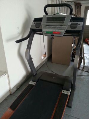 NordicTrack 4300R treadmill in great condition with wood trim and folds in half for storage for Sale in Dublin, OH