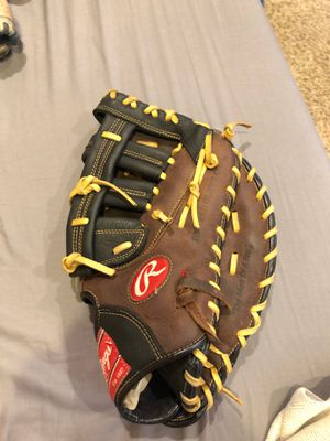 Rawlings first baseman glove for Sale in Brainerd, MN