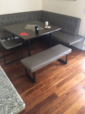 Dinning table with chairs for Sale in Los Angeles, CA