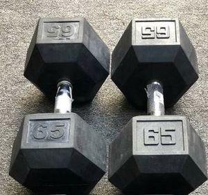65 LB. RUBBER DUMBBELLS (USED / ONE DUMBBELL YOU TWIST TO TIGHTEN IT) for Sale in Coconut Creek, FL