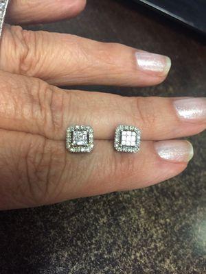 Diamond earrings for Sale in Phoenix, AZ